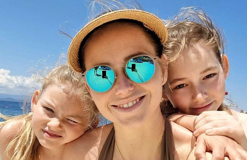 Agata i Piotr Rubikowie na wczasach z córkami. Fani: Fajne wakacje, a dzieci nie w szkole?