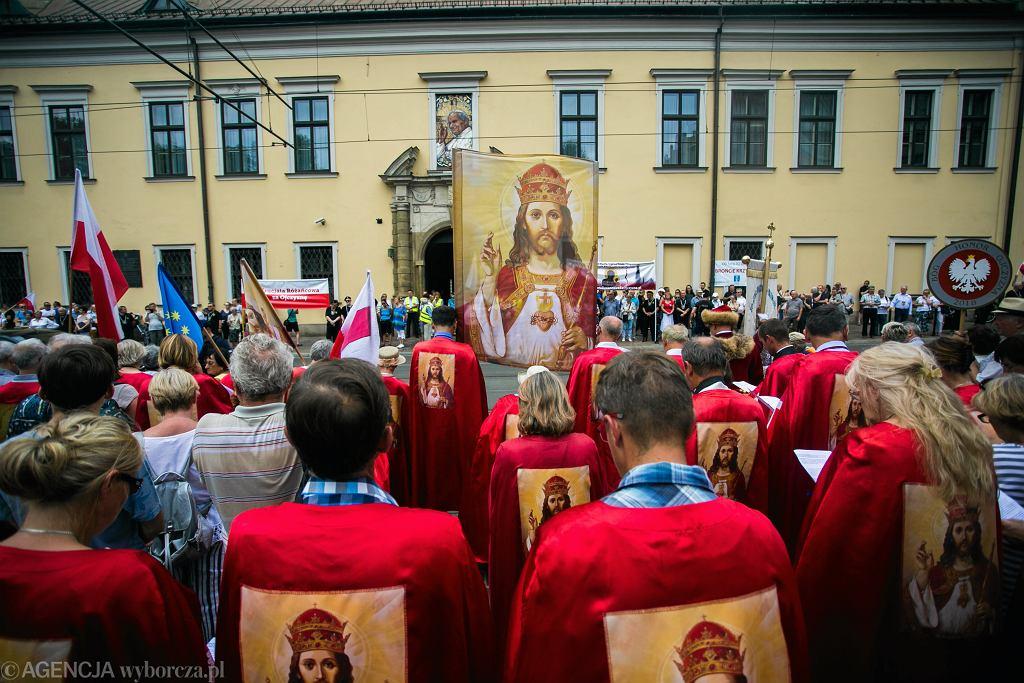 Wiec poparcia dla abp. Marka Jędraszewskiego