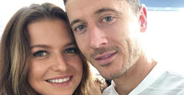 Lewandowscy świętują 6. rocznicę ślubu. Żona piłkarza pochwaliła się przepięknym zdjęciem