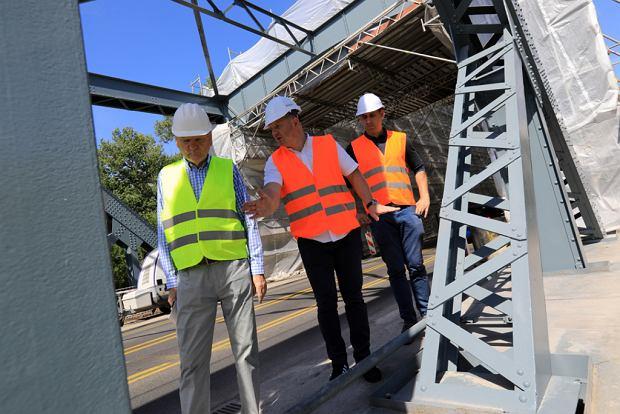 Zdjęcie numer 13 w galerii - Dziennikarze sprawdzali, jak przebiega rozbudowa starego mostu za 123 mln zł [GALERIA]