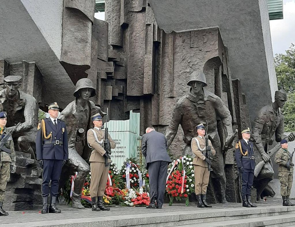 Chargé d?affaires Ambasady Niemiec złożył kwiaty pod pomnikiem