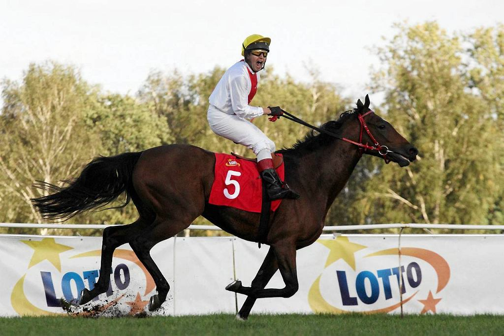 Piotr Piątkowski na koniu Camerun wygrał Wielką Warszawską