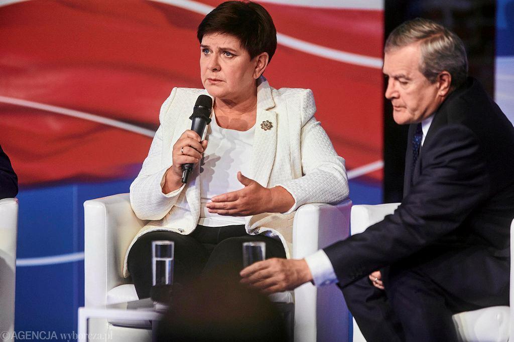 Konwencja PiS w Łodzi. Beata Szydło i Piotr Gliński