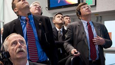 Start STS-129 Atlantis. Bill Gerstenmaier pierwszy z lewej