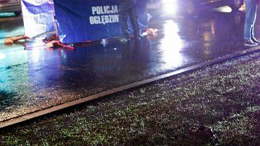 Tragiczny wypadek pod Lubawą. Kierowca volkswagena potrącił pieszych na środku pasa