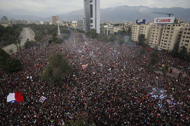 Chile. Marsz antyrządowy, piątek 25 października.