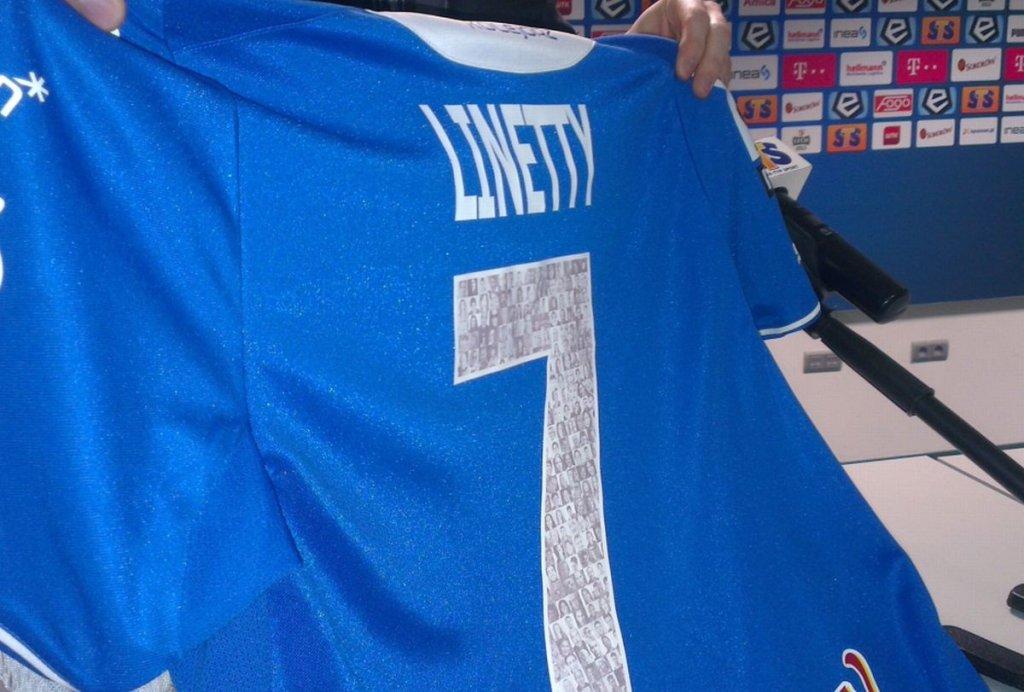 Koszulka Lecha ze zdjęciami kibiców