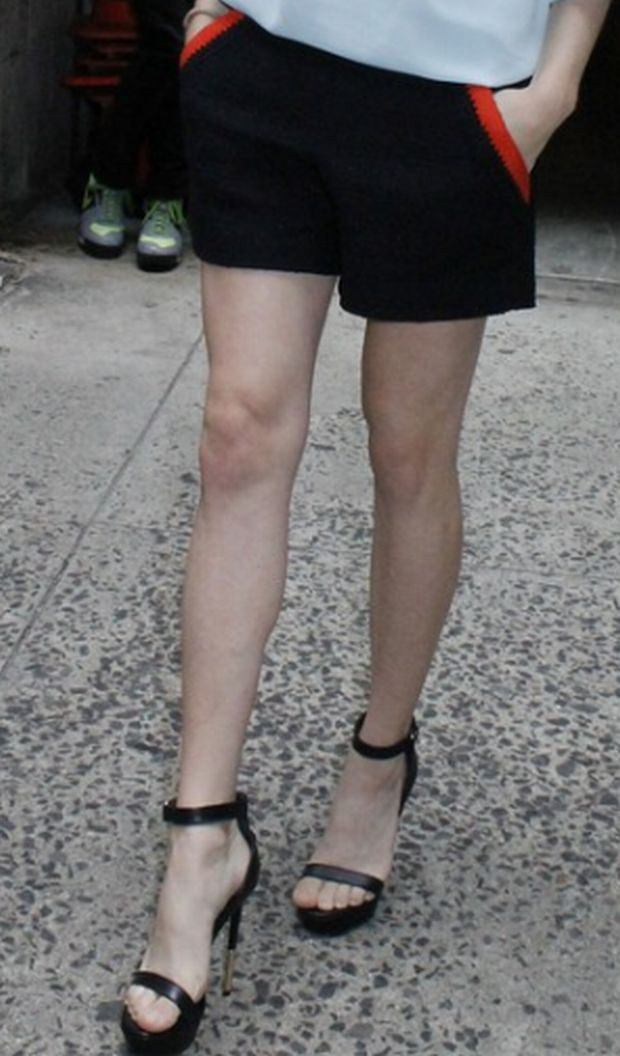 EXCLUSIVE: 'Lovelace's Amanda Seyfried is not afraid to show a lot of leg as she wears shorts for an appearance on 'Live! with Kelly and Michael'.   Pictured: Amanda Seyfried