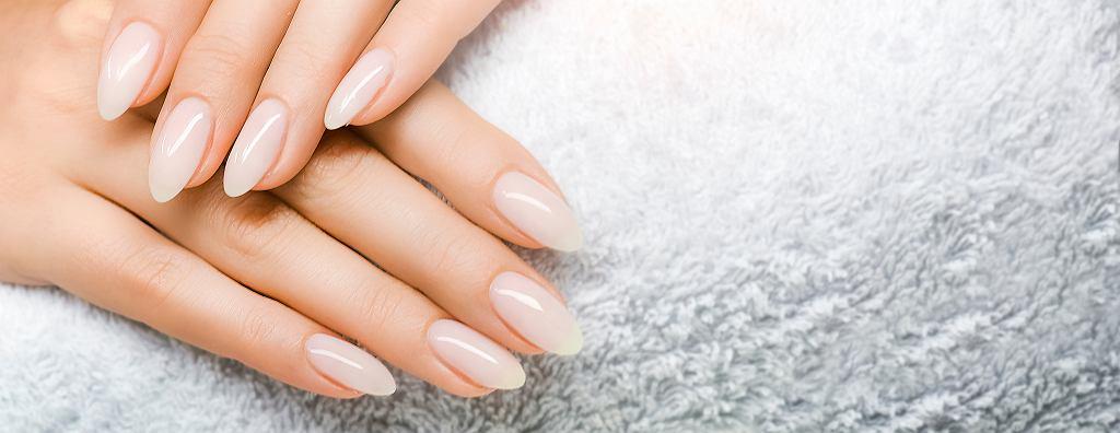 Jeśli lubisz delikatny manicure, spróbuj z babyboomer