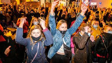 Strajk kobiet w Rzeszowie. Protestują przeciwko orzeczeniu Trybunału Konstytucyjnego w sprawie aborcji