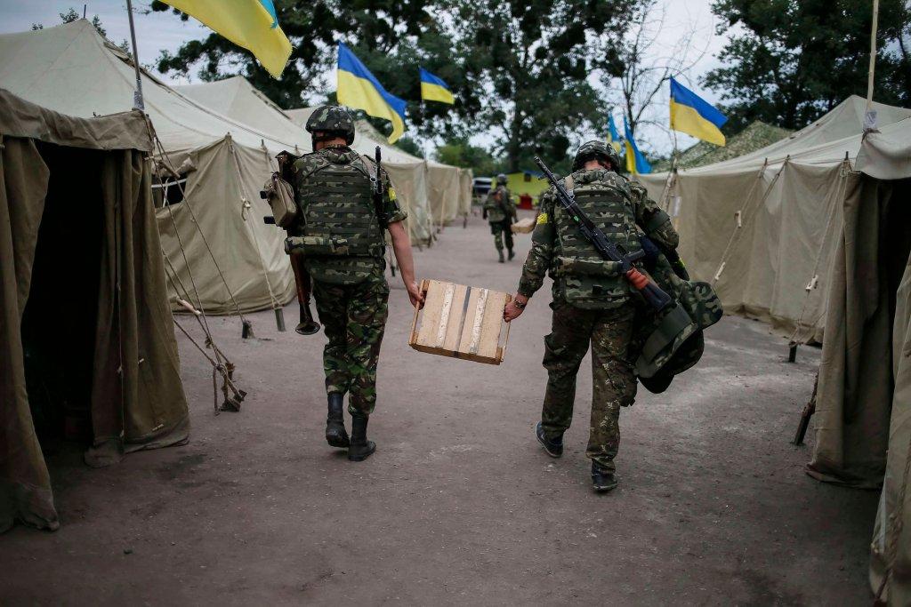 Ukraińscy żołnierze w bazie w okolicach Słowiańska