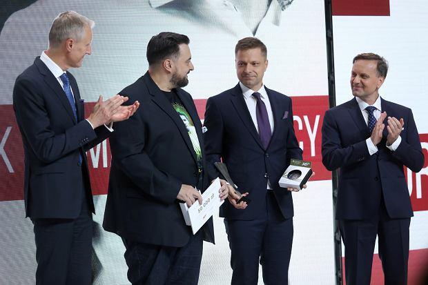 Tomasz Sekielki na gali Nagród Radia ZET im. Andrzeja Woyciechowskiego