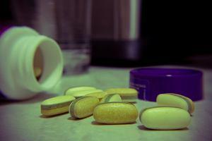 Bierzesz probiotyki, by wzmocnić odporność? Na opakowaniu szukaj tej ważnej informacji