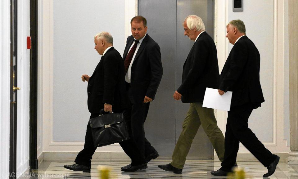 Jarosław Kaczyński i politycy partii PiS (lipiec 2017 r.)