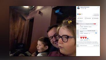 Mateusz Morawiecki zabrał dzieci do teatru. Był zachwycony spektaklem
