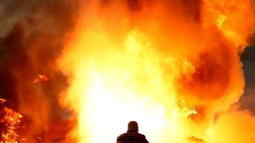 Eksplozja, 28 sekund w płomieniach, ogień stopił mu wizjer. Jak Grosjean wyszedł z tego cało?