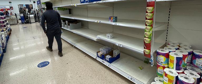 """Wielka Brytania. Minister: """"Nie kupujcie w panice"""". BP zamyka część stacji"""