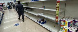 """Wielka Brytania. Minister do mieszkańców: """"Nie kupujcie w panice"""". BP zamyka część stacji"""