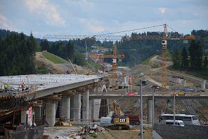 Zakopianka ma się odblokować dzięki 2-kilometrowemu tunelowi. Niestety, od miesięcy prace wstrzymuje podziemne osuwisko. Ile jeszcze w korkach na Podhale?