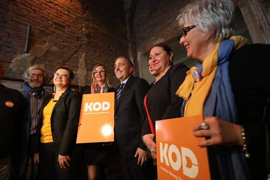 Komitet Obrony Demokracji wsparł Koalicję Europejską na konwencji w Warszawie