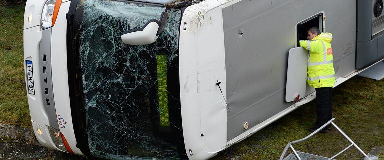 Tragiczny wypadek szkolnego autobusu w Niemczech. Nie żyje dwoje dzieci, wiele zostało rannych