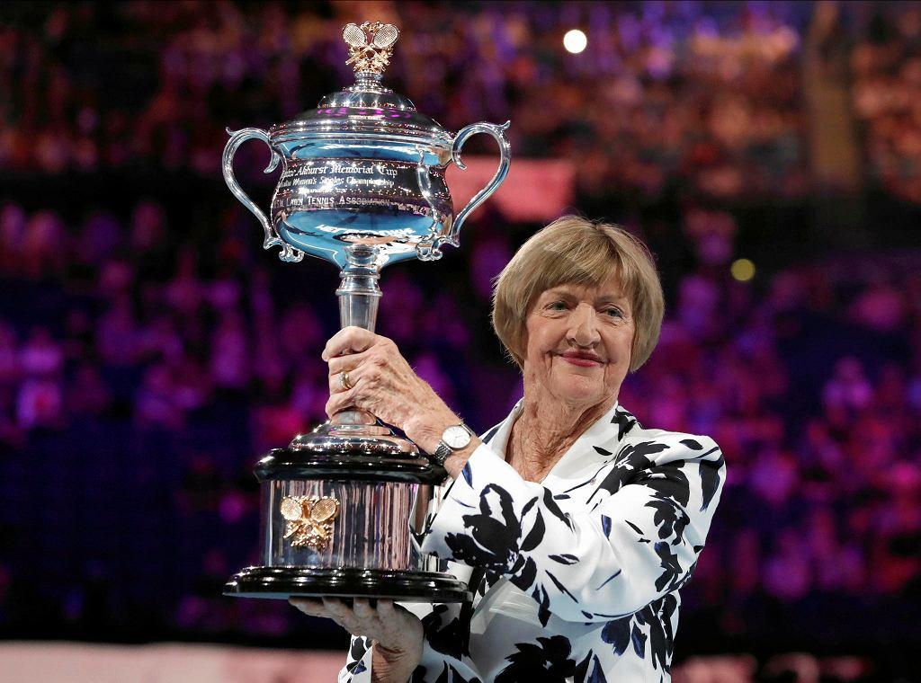 Australian Open 2020. Margaret Court z trofeum w 50. rocznicę skompletowania kalendarzowego Wielkiego Szlema