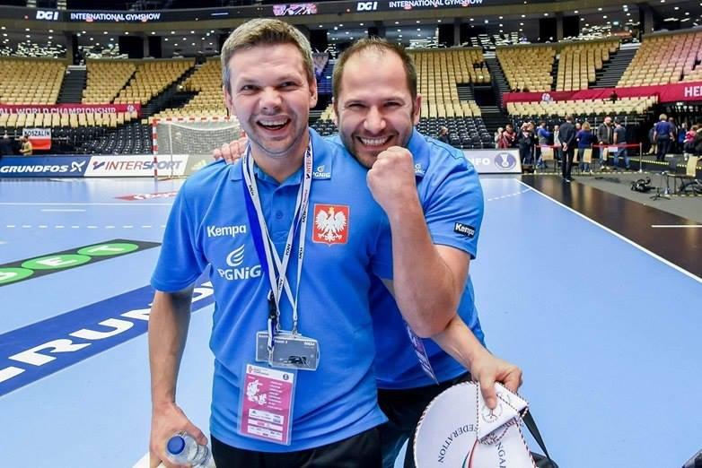 Radość Krzysztofa Demki (pierwszy z lewej) po meczu z Węgierkami
