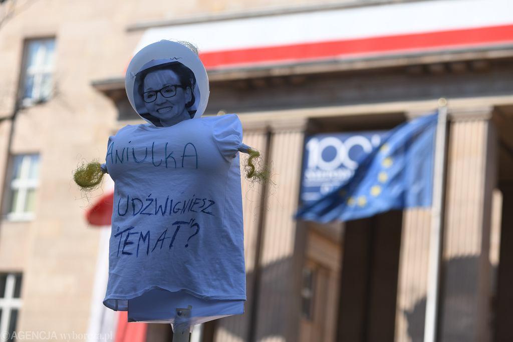 Marsz nauczycieli pod MEN