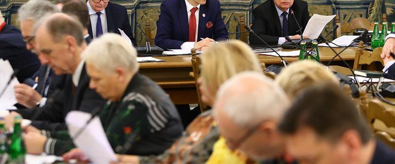 """Opozycja próbuje zmienić regulamin Senatu. """"To uderzy w senatorów PO"""""""