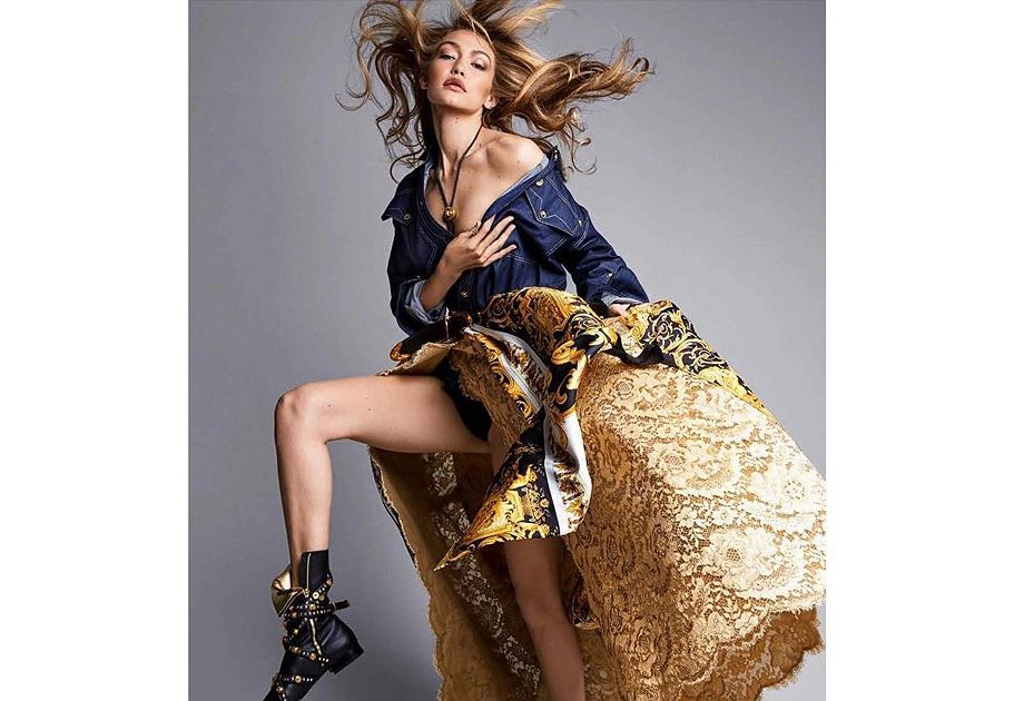 Jeansowa kurtka w kolekcji Versace