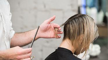 Blunt chop to fryzura, którą pokochały gwiazdy! Odmładza, podkreśla urodę i pasuje każdej kobiecie
