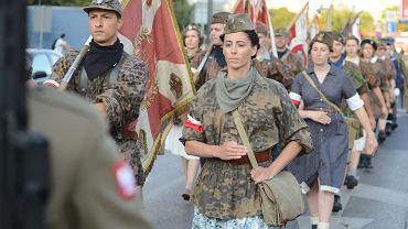 Marsz Pamięci przeszedł w niedzielę ze skweru Pamięci do parku Powstańców Warszawy na Woli