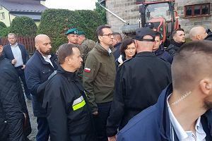 Premier Mateusz Morawiecki przyjechał do Izbisk. Trwa walka z żywiołem