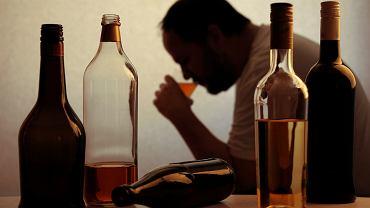 Choroba alkoholowa, zwana także alkoholizmem lub toksykomanią alkoholową, to finalny stan długotrwałego nadużywania alkoholu