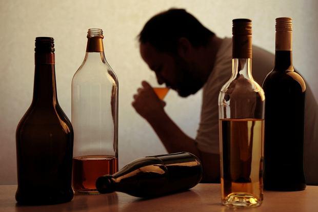 Choroba alkoholowa - czym się objawia i jak ją leczyć?