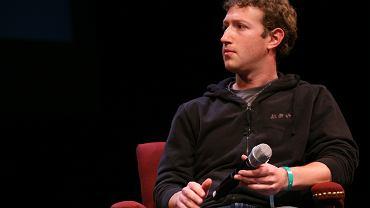 Trampki dla niepoznaki. Majątek Marka Zuckerberga szacowany jest na 65 mld dolarów.