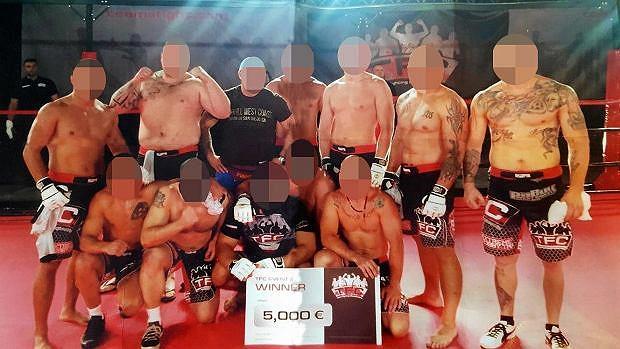 Liderzy i członkowie Psycho Fans po zwycięstwie w Team Fighting Championship w Rydze. TFC to zawody polegające na legalnych ustawkach grup kibicowskich