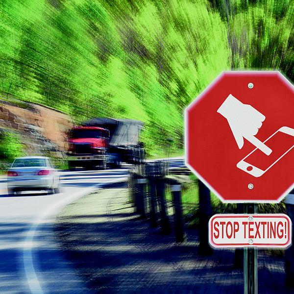 44% kierowców rozmawia przez telefon w trakcie jazdy