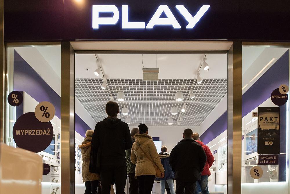 Salon Play