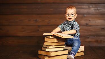 Książki dla najmłodszych uczą i bawią. Zdjęcie ilustracyjne