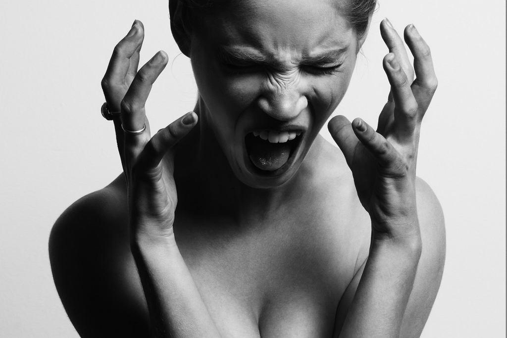 Krzyczącą kobieta (zdjęcie ilustracyjne)
