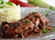 Polędwiczki wieprzowe w sosie rabarbarowym - ugotuj