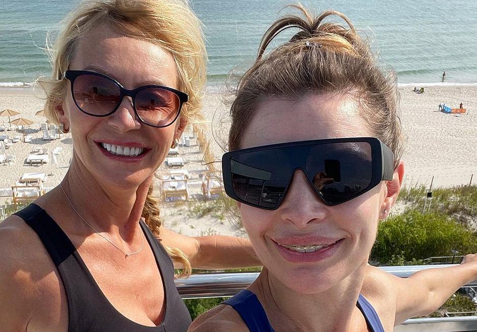 Agnieszka Dygant i Beata Ścibakówna ćwiczą nad morzem. Ale ciała!
