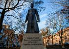Prezydent Gdańska wzywa budowniczych pomnika ks. Jankowskiego do jego usunięcia. Jest odpowiedź