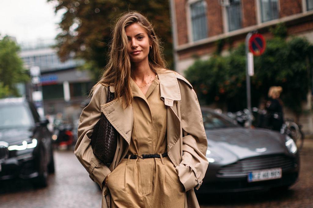 Modny trencz, fashion week Kopenhaga 2021