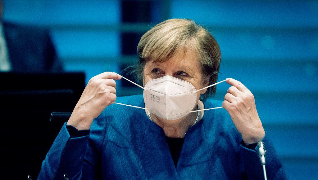 Angela Merkel, kanclerz Niemiec przed spotkaniem gabinetu w środę 28 października.