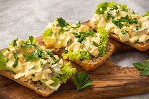 Pasta jajeczna zielona Magdy Gessler zasmakuje nawet najbardziej wybrednym smakoszom. Jak ją zrobić? [PRZEPIS]