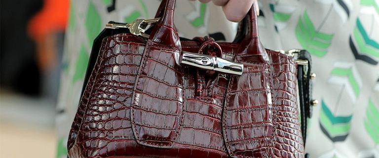 Torebki Longchamp z wyprzedaży. Popularne wśród Francuzek modele kupisz teraz za grosze!