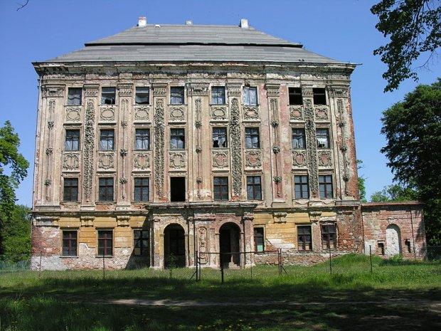 Pałac w Piotrkowicach/ Fot. CC BY-SA 3.0/ Bonio/ Wikimedia Commons