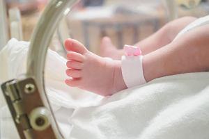 Koronawirus. W Singapurze kobieta urodziła dziecko z przeciwciałami COVID-19
